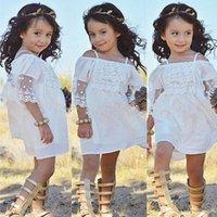 weiße kleidung für strand großhandel-Weiße Spitzekleider des Butikemädchens Hosenträgerkleid weg von der Schulter 100% Baumwollstrandkleid Kind-Mädchen-Kleidung 2018 neue Art des Sommers