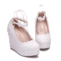 белый клинок для свадебной обуви оптовых-Новый fashionl жемчуг круглый toe обувь для женщин белый кружева каблуки мода платформы свадебные туфли клин пятки обувь плюс размер свадебные каблуки