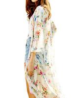 ingrosso camicia chiffona floreale nera-Donna Boho Chiffon Kimono Cardigan Cape Bikini Cover Up Floral Long Beach Robe Plage 5XL Camicetta Top Nero / Beige Saida De Praia