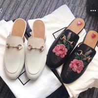 bayan düz terlik toptan satış-Yaz Erkek Kadın Arılar Yılan Deri Loafers Casual Mules Ayakkabı Toka Ile Erkek Kadın Princetown Terlik Flats Flip Flop Orijinal Kutusu