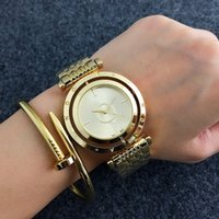 Wholesale United Bears - NEW Europe and the United States selling luxury high-quality leisure fashion quartz ladies watch rotating personality bear watch