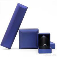 luces colgantes caja al por mayor-Creativo LED Light Ring Box Joyería Embalaje Colgante Collar Adornos Cajas de regalo High End Good Quality 10 5xm4 ii