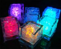 ingrosso matrimonio lampada notturna-LED Ice Cubes Fast Flash Luce notturna Slow Flashing 7 Colori che cambiano lampada a led Crystal Cube Festa di San Valentino Festa di nozze luce