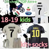 1017c11dc camisa de meia venda por atacado-18 19 crianças Juventus RONALDO futebol  Jersey Kits +