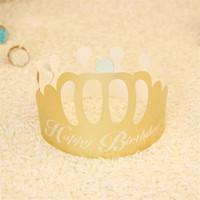 ingrosso il cappello del partito usa e getta-Cappellini festosi Compleanni di compleanno Design Paper Golden Crown Shape Berretto monouso per bambini Cappellini per adulti 0 2hy jj