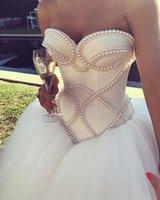 güzel sırsız elbiseler toptan satış-Prenses Balo Gelinlik Sevgiliye İnciler Muhteşem Gelin Gelinlikler Backless Mütevazı Ülke Düğün Aşınma