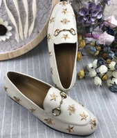 zapatos a juego bolsas marrón al por mayor-New star + bee lady zapatos de cuero con fondo plano, tamaño de cuero completo, tamaño completo 35-41 negro. Beige.