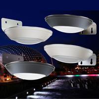 capteurs dc achat en gros de-Lampes solaires de porche à LED lampes murales de capteurs de mouvement de radar 2W LEDs pur blanc lampe de mur / jardin