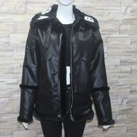 Schwarz Leder Frauen Mantel Kragen Weiß Brief Kunstpelz Jacke Winter Verdickt Metall Schnalle Hochwertigen Mantel