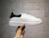siyah altın ayakkabı bayanlar toptan satış-Satışa Mens Womens Spor Ayakkabı Lüks Platformu Sneaker Düz Rahat Ayakkabılar Lady Siyah Pembe Altın Koşu Tenis Konfor 35-43
