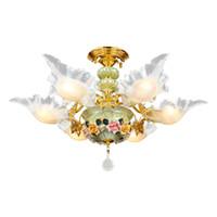 cerámicas luz de techo al por mayor-Techo europeo creativo de cerámica salón comedor lámpara de cristal estilo pastoral francés cálida y romántica iluminación
