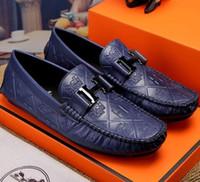 zapatos de boda suaves al por mayor-Cuero de los hombres de la marca de lujo en relieve. Zapatos casuales, marca de moda popular de suela suave casual zapatos de boda del partido, capa de piel de vaca zapatos G6.56