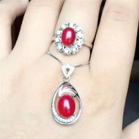 conjuntos de ouro puro de 18k venda por atacado-KJJEAXCMY jóias boutique 925 Inlay de prata pura natural red jade medulla anel + pingente conjunto inlay diamante em forma de ouro 18 k goddes