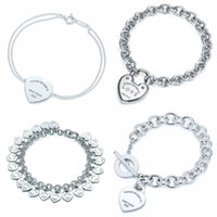 ingrosso bracciali segni-Braccialetto a forma di cuore Braccialetto Marca 925 Sterling Silver Cuore T segno Pendente Design semplice per le donne Elegante gioiello logo
