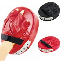 coussinets en mousse noire achat en gros de-Pads gants de boxe noir rouge pour Muay Thai Kick Boxing MMA formation PU boxeur en mousse cible Pad équipement de protection