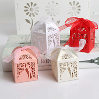 Wholesale Bride Groom Laser Cut Hollow Wedding Favors Gifts Candy Packing Boxes With Ribbon Colors