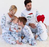 familie setzt kleidung großhandel-Nette Snoopy Weihnachtspyjamas stellten passende Kleidung der Weihnachtsfamilie Schlafabnutzung Homewear Nightclothes für Mannfrauen Kind 2018 ein Neuer Großverkauf