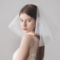 Wholesale shoulder veils online - 2018 New Short Wedding Veil White Ivory Bridal Veil Lace Cheap Bridal Accessories Bride Wedding Veil with Comb CPA1433