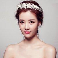 ingrosso accessori per capelli nozze-Corone di nozze della regina del rhinestone di stile coreano rosso e bianco accessorie dei gioielli dei capelli dei diademi di cristallo nuziali fatti a mano