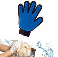 ingrosso pettini di capelli in silicone-2018 Spazzola per pulizia Pettine per cani Guanto in silicone Mitt per il bagno Pet Dog Cat Massage Depilazione Grooming Magic Deshedding Glove