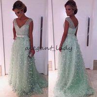 vestidos de fiesta verde menta modesto al por mayor-Mint Green 3D Floral Crystal Vestidos del desfile de la noche 2018 Modest Cap Sleeve Low Back Dubai Vestido de recepción de la fiesta de la noche de las mujeres árabes