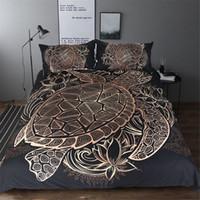 hayvanlar yorgan örtüleri toptan satış-Kaplumbağalar Yatak Seti Yorgan Hayvan Altın Kaplumbağa Yatak Örtüsü Set Kral Boyutları Çiçekler Lotus Ev Tekstili 3 adet Lüks