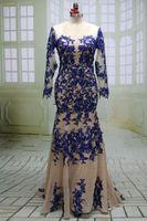 nackte vintage prom kleider großhandel-Vintage Royal Blue Applique Nude Chiffon Abendkleider 2017 Luxus O Neck Prom Nachtkleid mit Langen Ärmeln