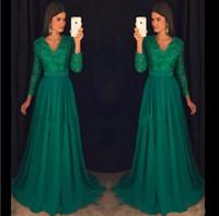 zümrüt yeşili v boyun elbisesi toptan satış-Vintage Zümrüt Yeşil Şifon Abiye Uzun Kollu Seksi V Boyun Balo Elbise Boncuklu Akşam Aşınma Örgün Parti kıyafeti Vestido de Novia