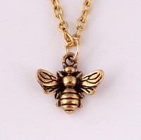 Wholesale manufacturer silver china resale online - Creative retro cute animal Bee Pendant Necklace personality insect sweater chain manufacturer jewelry unisex necklace