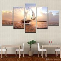 peintures voiliers achat en gros de-HD Prints Pictures Modulaire Mur De Toile Art Encadré 5 Pièces Coucher Du Soleil Voilier Paysage Marin Peintures Home Decor Bateau Voile Affiches