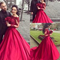 a911fb863197 Vestido De Noiva economici abiti da sposa rossi con maniche lunghe in pizzo  off spalla una linea di abiti da sposa in raso spose abiti personalizzati  online