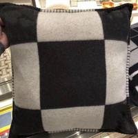 lits de chat modernes achat en gros de-2018 marque nouvelle laine plaid h oreiller laine de cachemire 45 x 45 cm Throw Cushion Case doux plaid canapé oreillers