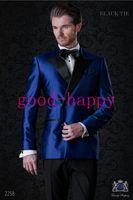 blaue glänzende hose großhandel-Sammlung - Shiny Blue Satin 2 Stück Anzug Männer Hochzeit Smoking Fashion Bräutigam Smoking Männer Formelle Aktivität Blazer (Jacke + Pants + Tie + Gürtel) 1216