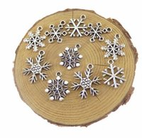 Wholesale 100Pcs alloy Mixed Christmas Snowflake Charms Antique silver Charms Pendant For necklace Jewelry Making findings