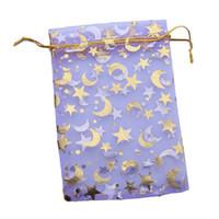 bolsas de regalo estrella púrpura al por mayor-150 unids / lote Nueva Bolsa de Organza Púrpura Bolsas de Regalo Impreso Luna y Estrella En Forma de Boda Joyería Del Banquete de Boda 10 * 14 cm 120168