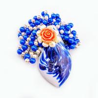 blue stone decorations großhandel-Süße Art Perlen Stein Glas Harz Blume Frau Broschen blau simulierte Perle Dame Kleidung Dekorationen Legierung Zubehör