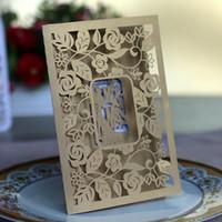 davetiye kartları çıkıyor toptan satış-2018 bordo Ücretsiz Baskılı Düğün Davetiyeleri Kartları Hollow Out Rustik Lazer Kesim Invatation Kartı Çiçekler Zarif Parti Davet ...