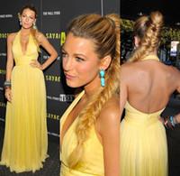 vestido amarillo kim al por mayor-vestidos de alfombra roja 2018 vestido de fiesta por la noche sexy espalda miley cyrus vestido con cuello en v kim vestido kardashian vestidos de celebridades amarillas