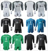 uniformes futebol venda por atacado-2018 2019 Crianças Manga Longa NEUER Goleiro Jersey Kit Conjuntos de Futebol de Juventude # 1 Manuel Neuer # 26 Ulreich Hoffmann Kits de Futebol KID Uniforme Completo