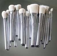Wholesale Silver Makeup Brushes - Kylie Jenner Silver Tube Brush 16pcs set Makeup Brushe Jenner Silver Tube Brush 16pcs set with bag Makeup Brushes for Valentine's Day Gifts