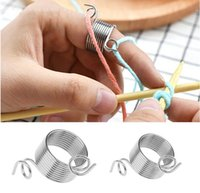 tipo de hilo al por mayor-Tipo de anillo Herramientas de tejido de metal Desgaste del dedo Hilo dedal Guías de resorte Aguja de acero inoxidable Dedal Accesorios de costura