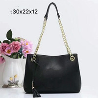 Wholesale fashionable classic pu leather for sale - Classic new lady shopping bag fashionable soft leather four seasons simple large capacity handbag black pink oblique satchel free mail
