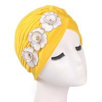 Cabeza de la pérdida de pelo de las mujeres de moda Beanie bufanda Turban  Cap flor elástico algodón Retro musulmán cáncer Chemo sombrero cubierta ... 4169d51f5ff