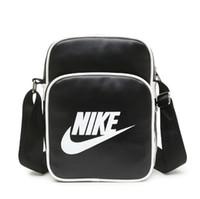 sacs à bandoulière pour hommes achat en gros de-Hommes Cross Body Bags avec LetterTick Imprimé Designer Sac Mode Marée De Luxe Sac À Bandoulière Pour Les Femmes Zipper Marque