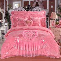ropa de cama de encaje reina princesa rosa al por mayor-Hot Pink Red Jacquard Princesa de seda ropa de cama conjuntos 4 unids 6 unids 7 unids encaje de seda volantes funda nórdica colcha cama falda ropa de cama rey reina tamaño