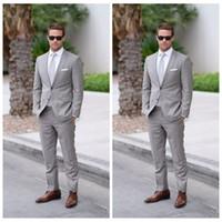 erkekler için gri resmi takım elbise toptan satış-2018 Resmi Açık Gri Düğün Erkekler Suits Slim Fit Damat Smokin Erkekler İki Adet Groomsmen Suit Ucuz Resmi Iş Ceketler + Pantolon + Kravat
