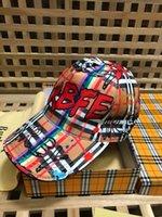 şapkalı şapkalar toptan satış-2019 En Kaliteli Ünlü tasarım Vintage Ekose Bereliler Kap Erkekler Kadın Tuval beyzbol şapkası Cloches Cimri Ağız Şapka Saçakları 40748171 001