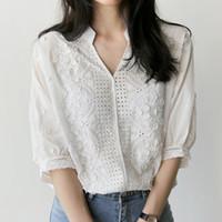 kadın yarı gömlekler toptan satış-Chemise femme 2018 Yeni yaz Moda Işlemeli Çiçek Gömlek Yarım Kollu beyaz Gömlek Pamuk bluz V Yaka Casual Bayan tops
