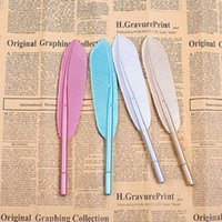 Wholesale feather pens - Korean Style Simple Feather Pen Retro Styling Gel Pens Feather Pen Creative Office Signature Pen H0055-1