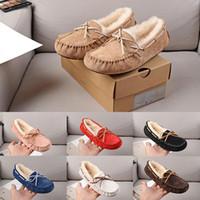 chinelos de pele para mulheres venda por atacado-Original WGG Chinelos mulheres designer de sapatos casuais castanha preto branco vermelho azul de pele de couro das mulheres sapato tamanho 5-8